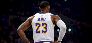 Lakers' LeBron opts out of wearing social justice message on jersey