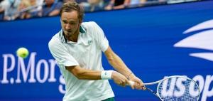 Medvedev reaches third straight U.S. Open semi-final